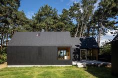 Cottage designed by RUBOW architects Cottage Design, Cottage Style, House Design, Farmhouse Style, Black House Exterior, Modern Barn House, Bothy, Concept Home, Weekend House