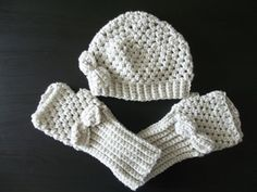 shell stitch beanie and matching fingerless gloves