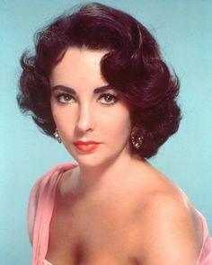 エリザベス・テイラー(Dame Elizabeth Rosemond Taylor, DBE、1932年2月27日 - 2011年3月23日)