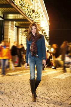 Daniela Ruah - this is a cute outfit!