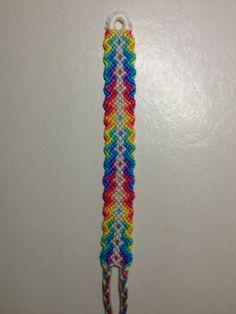 Added by lrene654 Friendship bracelet pattern 2309 #friendship #bracelet #wristband #craft #handmade #diy #chevron #arrows