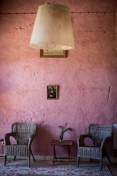 La Gioconda in pink wall