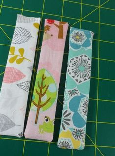 A growing trend among sewists is to avoid puncturing their projects' fabric by replacing pins with pattern weights. These Easy Breezy Pattern Weights are a great inexpensive way to avoid unwanted holes. Sewing Hacks, Sewing Tutorials, Sewing Crafts, Sewing Projects, Sewing Tips, Sewing Ideas, Bag Patterns To Sew, Pdf Sewing Patterns, Fabric Patterns