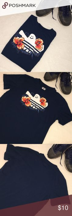Super Cool Adidas T w Hibiscus Flowers 👍🏻 Navy blue mens t size Lg w logo and tropical flower detail. Cool t. Great condition! 👍🏻 adidas Shirts Tees - Short Sleeve