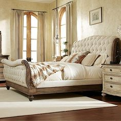 Liberty Furniture Cotswold Tufted Linen Upholstered Sleigh Bed
