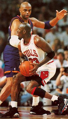 Michel Jordan and Charles Barkley Jordan 23, Jeffrey Jordan, Jordan Bulls, Michael Jordan Basketball, Love And Basketball, Sports Basketball, Basketball Players, Basketball Jones, Baskets