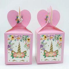 OBS: Det følger ikke med noe innhold i surpriseboxen.Overrask dine bursdagsgjester med en flott surprisebox med Enhjørning motiv på! Disse gir det lille ekstra til bursdagsfesten!Mål:8,5*8,5*18cm