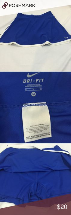 Nike Dri-Fit Skirt with built in shorts SZ M Nike Dri-Fit Skirt with built in shorts SZ M Nike Skirts