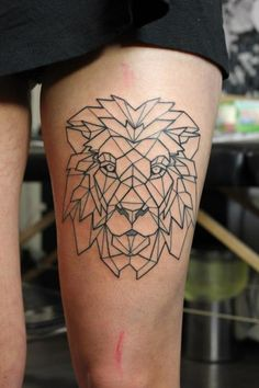 Arm tattoo / Geometric Lion in black lines Lion Leg Tattoo, Lion Head Tattoos, Lion Tattoo Design, Tattoo Designs, Lioness Tattoo, Tattoo Wolf, Tattoo Thigh, Trendy Tattoos, Tattoos For Guys