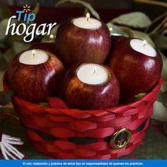 Haz un centro de mesa navideño con velas manzanas que estén a punto de no servir ¿Aún no decoras tu cocina de #Navidad? No te preocupes, hoy te compartimo