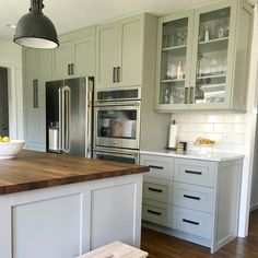 Everything You Need To Know About Beautiful Kitchen Cabinets Do It Yourself White Ikea Kitchen, White Shaker Kitchen Cabinets, Refacing Kitchen Cabinets, Kitchen Cabinet Colors, Built In Cabinets, New Kitchen, Kitchen Tile, Kitchen Redo, Kitchen Island