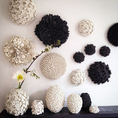 Ceramic Art: Admire now the breathtaking porcelain and clay flower sculptures by Vanessa Hogge, one of the best European master artisans. Ceramic Wall Art, Ceramic Pottery, Pottery Art, Ceramic Shop, Porcelain Jewelry, Porcelain Ceramics, Fine Porcelain, Porcelain Tiles, China Vase
