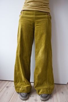 peridot green velvet pants - words cannot express how much I love these trousers...