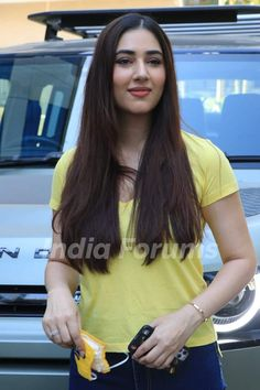 Bollywood Celebrities, Bollywood Actress, Sony Tv, Parma, Indian Outfits, Clothing Ideas, Life Quotes, Outfit Ideas, Celebrity