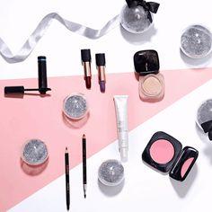 http://rede.natura.net/espaco/waldetecosta  Que tal se inspirar nas nossas dicas para escolher presentes especiais para as festas de final de ano? Os kits de maquiagem são sempre ótimas opções!