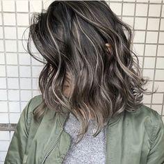 Medium Hair Cuts, Medium Hair Styles, Short Hair Styles, Gray Hair Highlights, Hair Color Balayage, Hair Inspo, Hair Inspiration, Long Hair Cut Short, Ash Hair