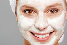 Microdermabrasion treatments are either administered by a professional cosmetolo… - Pele Limpa Body Treatments, Back Facial, Oatmeal Mask, Natural Acne Remedies, Skin Mask, Love Your Skin, Summer Skin, Makes You Beautiful, Home Remedies
