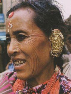 Newari woman with ancient style earring with salabanjika, Nepal