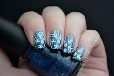 DIY Nails Art / DIY Christmas Nail Art Tutorial - Snowflakes - Fereckels