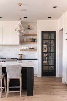 Home Decor Kitchen, New Kitchen, Home Kitchens, Kitchen Ideas, White Oak Kitchen, Two Tone Kitchen, Condo Kitchen, Dream Kitchens, Kitchen Dining