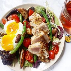 2016 @sunbasket coriander crusted tuna Niçoise salad and served it with @coorspeak glutenfree beer. Bliss 😍  @ This tuna is ingredients are prepped, ,