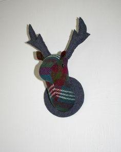 Deer Head Wallhanging, New Heather Stag Head, Wool Blanket, Antlers, Deer, Christmas Ornaments, Holiday Decor, Vintage, Fleece Blanket Edging, Horns