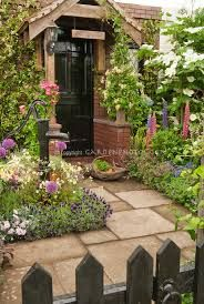 traditional english cottage front entrance