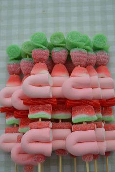 LOS DETALLES DE BEA: Beautiful Candy kabobs!!