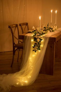 Perfect for wedding! This extra-long floating tulle table runner is romantic and garden-like. - Perfect for wedding! This extra-long floating tulle table runner is romantic and garden-like. Table Tulle, Tulle Table Runner, Lace Runner, Lace Table Runners, Wedding Table Centerpieces, Tulle Wedding Decorations, Tulle Centerpiece, Table Decor Wedding, Wedding Table Runners