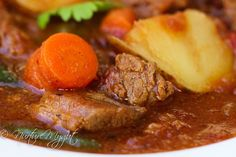 This Tender Beef Stew with Potatoes and Carrots is finger-licking good! Simmer your meat in stock, roasted tomatoes & spices for a deeply flavorful dish! Whole 30 Soup, Paleo Whole 30, Whole 30 Recipes, Paleo Recipes, Cooking Recipes, Soup Recipes, Recipies, Beef And Potato Stew, Soup And Salad
