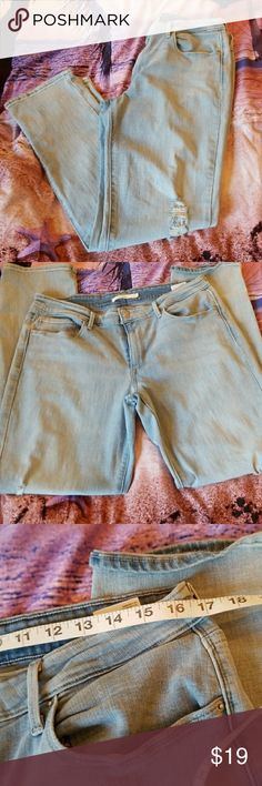 💋3/$24💋LEVI'S MID RISE SKINNY DISTRESSED Excellent condition.   💋3 for $24💋 BUNDLE any 3 items (listed 3 for $24), IGNORE the bundle price & OFFER $24 🌺See mannequin listing for size reference.   Also CHECK OUT my 🦄3 for $15🦄, ⚘3 for $50⚘ & ♥️10 for $10♥️ sale!  Why SHOP MY Closet? 💋Smoke/ Pet Free 💋OVER 1000 🌟🌟🌟🌟🌟RATINGS 💋POSH AMBASSADOR &TOP 10% Seller  💋TOP RATED 💋 FAST SHIPPER  💋BUNDLES DISCOUNT 💋EARN VIP DOLLARS W/ EVERY PURCHASE ❤HAPPY POSHING!!! 💕 Levi's Jeans…