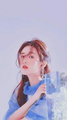 Chinese Actress, Aesthetic Iphone Wallpaper, Chinese Art, Girl Crushes, Art Girl, Ulzzang, My Idol, Cute Girls, Feminine