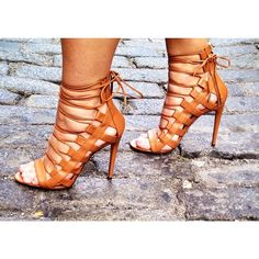 Testing out our exclusive Aquazzura Amazons… 2128728947