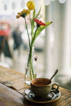 Adore this photo. The old earthenware cappuccino cup, the beautiful fresh flowers in an old milk bottle. I Love Coffee, Best Coffee, Coffee Break, My Coffee, Morning Coffee, Coffee Mugs, Coffee Corner, Coffee Heart, Coffee Cafe