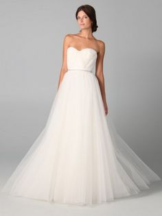 (FITS0243416 )2012 Style A-line Strapless Ruffles  Sleeveless Floor-length Tulle  White Wedding Dress For Brides