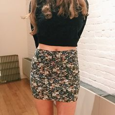 Floral Print Bodycon Skirt Super soft fabric would fit size xs and small. Worn once in perfect condition Skirts Mini