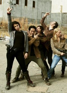 The Walking Dead. i love this cast.