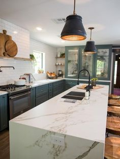 home renovation 15 Best Kitchens by Joanna Gaines - A round up post of the best kitchens by Joanna Gaines! Country rustic and modern charm. Kitchen Ikea, New Kitchen, Kitchen Decor, Kitchen Cabinets, Glass Cabinets, Kitchen Sink, Country Kitchen, Blue Cabinets, Upper Cabinets