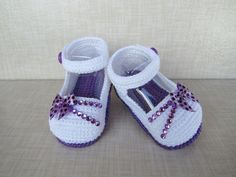 Crochet Sandals, Booties Crochet, Baby Booties, Crochet Baby Clothes, Crochet Baby Shoes, Baby Girl Shoes, Girls Shoes, Baby Moses, Play Clothing
