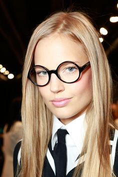 Ralph Lauren Spring 2014 Ready-to-Wear Collection Slideshow on Style.com...make up for glasses :)
