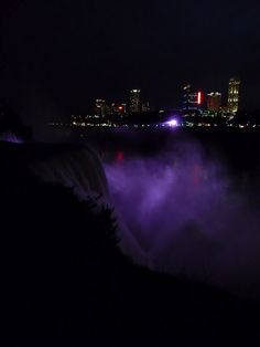 Niagara falls, from the US border