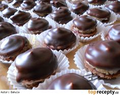 Košíčky Izidor - My site Oreo Cupcakes, Mini Cupcakes, Cake Cookies, Ice Cream Candy, Desert Recipes, Christmas Baking, No Bake Cake, Nutella, Baked Goods