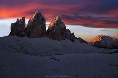 Sunrise under the three peaks - null