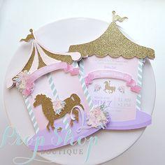 Invitación del cumpleaños de la niña carrusel caballo