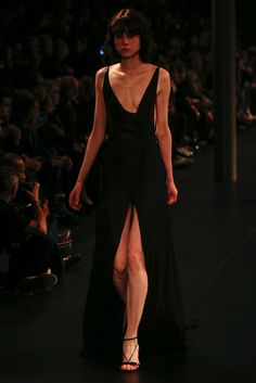 Saint Laurent Spring 2016 Ready-to-Wear Fashion Show