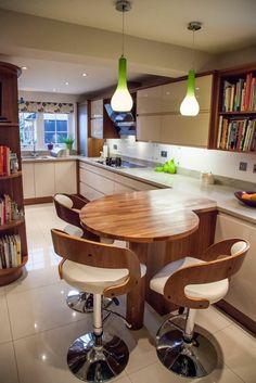 47 ideas breakfast bar stools with backs Kitchen Breakfast Bar Stools, Kitchen Stools, New Kitchen, Kitchen Decor, Kitchen Ideas With Breakfast Bar, Small Breakfast Bar, Gloss Kitchen, Design Kitchen, Breakfast Ideas