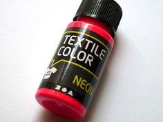 Neon ist im Trend, verschönere deine Textilien mit Stoffmalfarbe in angesagten Neontönen     1 Flasche 50 ml neonpink    Die Farbe eignet sich für ...