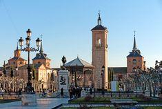 Espana, Alcala de Henares, Plaza de Cervantes ~ Площадь Сервантеса, Алкала де Энарес, Испания
