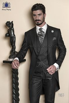 Italian bespoke wedding morning suit, in fil a fil gray antracite, style 1183 Ottavio Nuccio Gala, 2015 Gentleman collection. Wedding Men, Wedding Suits, Mens Fashion Suits, Mens Suits, Wedding Morning Suits, Father Of The Bride Outfit, Morning Dress, Vest And Tie, Groom Tuxedo