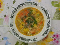 Skvelá zeleninová polievka s krupicovými haluškami. RECEPT aj pre deti Thai Red Curry, Ethnic Recipes, Food, Meals, Yemek, Eten